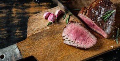 cocinar carne roja y conservar proteinas