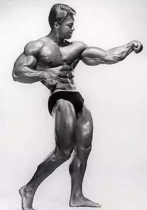 Larry scott primer mister olympia