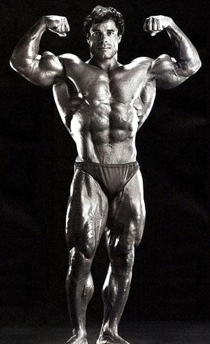 pose doble biceps Franco Columbu